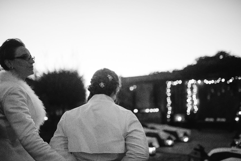 les bulles de bonheur _ mariage gay _ ceremonie laique de nuit _ ceremonie laique champetre & conver (11)