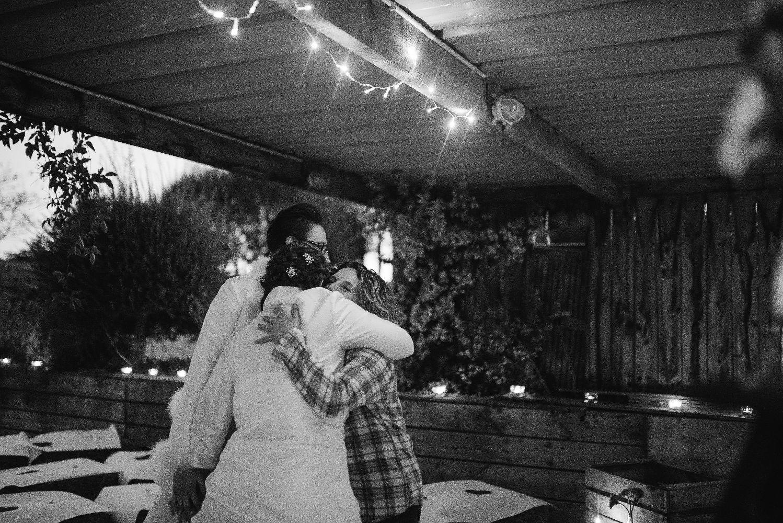 les bulles de bonheur _ mariage gay _ ceremonie laique de nuit _ ceremonie laique champetre & conver (12)
