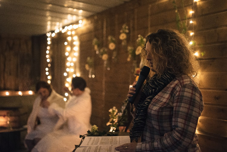 les bulles de bonheur _ mariage gay _ ceremonie laique de nuit _ ceremonie laique champetre & conver (28)