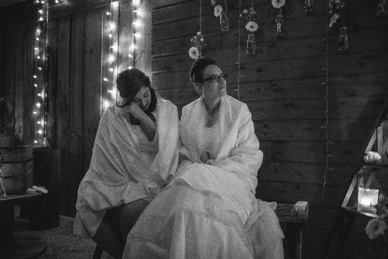 les bulles de bonheur _ mariage gay _ ceremonie laique de nuit _ ceremonie laique champetre & conver (39)