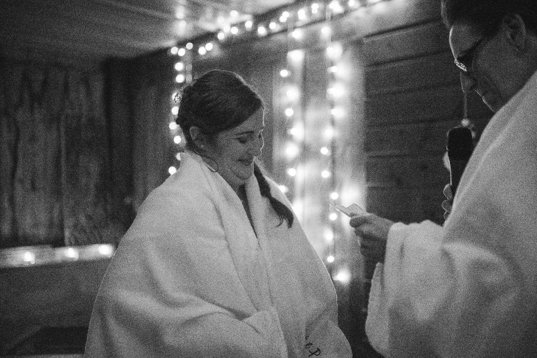 les bulles de bonheur _ mariage gay _ ceremonie laique de nuit _ ceremonie laique champetre & conver (50)