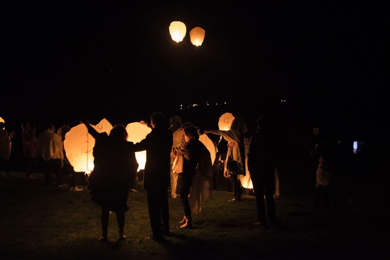 les bulles de bonheur _ mariage gay _ ceremonie laique de nuit _ ceremonie laique champetre & conver (92)